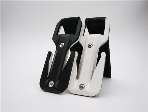 סכין שחור/לבן סקוטש שחור