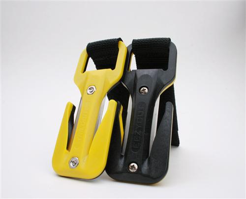 סכין שחור/צהוב סקוטש שחור